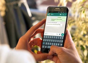 Handy mit WhatsApp und Geburtstageinladungen