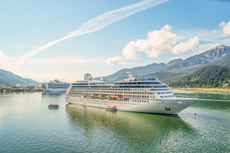 Traumurlaub an Bord! Mit dem Schiff um die ganze Welt reisen!
