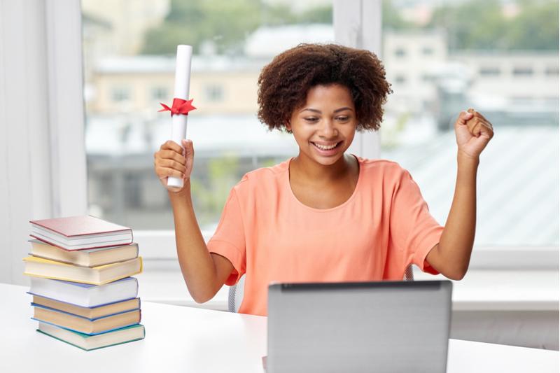Fernstudium: ein Diplom von zu Hause aus erwerben