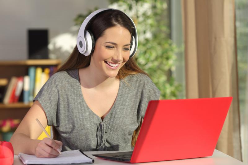 Verschiedene Anbieter für ein Fernstudium - welcher ist der beste