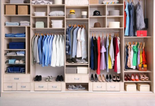 Kleiderschrank - ein Stauraumwunder mit Stil