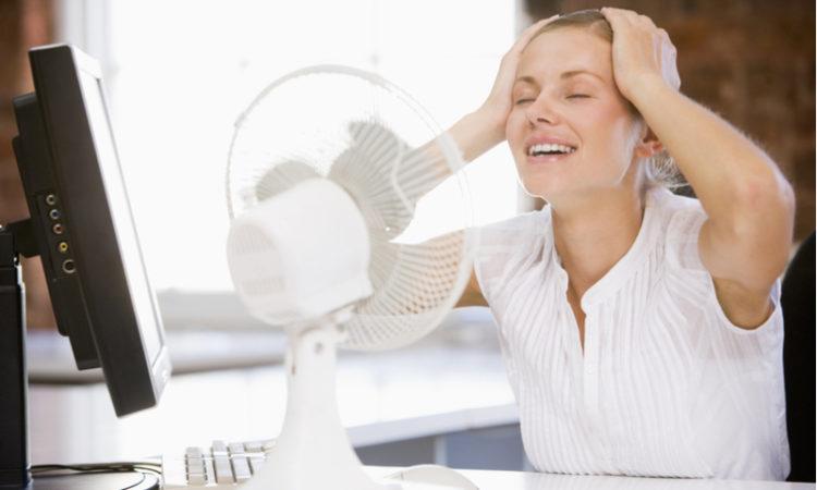 Hitzewelle 5 überlebenswichtige Tipps für die richtige Abkühlung im Büro