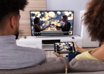 Umfassend vernetzt Filme und Videos vom Tablet oder dem Smartphone auf das TV-Gerät streamen