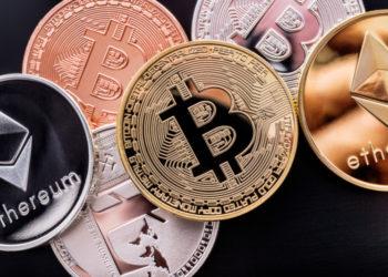 Münzen mit Krypotwährungen wie Bitcoin und Litecoin